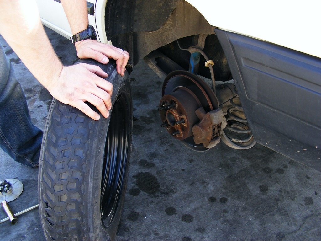How to Change a Flat Tire on the Road