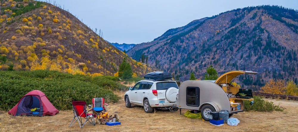 Family-Camping-with-travel-trailer